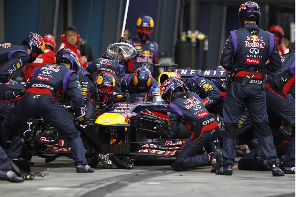 Red Bull racing pitstop van 2.05 seconden in slowmotion