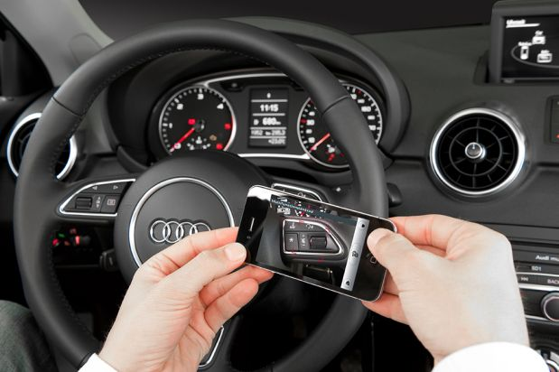 Audi vervangt instructieboekje door argumented reality app 01