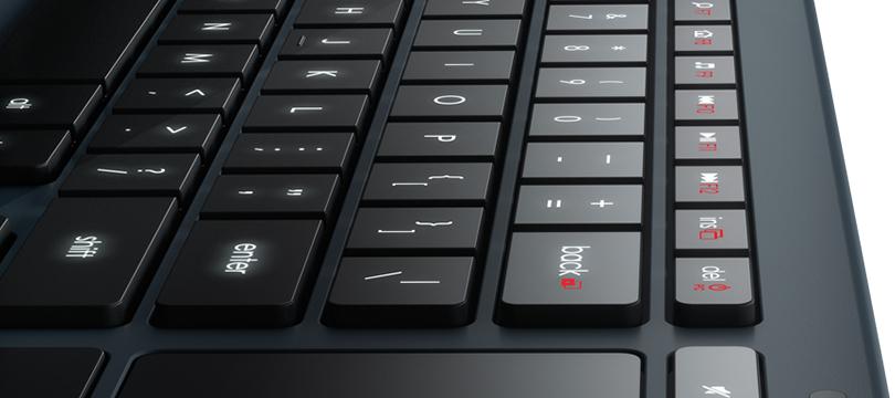 Logitech K830: verlicht toetsenbord voor in woonkamer • tech365