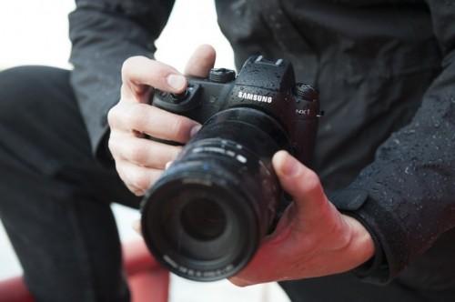 Samsung NX1 compact camera