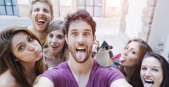 Asus-Hello-Edward-group-selfie