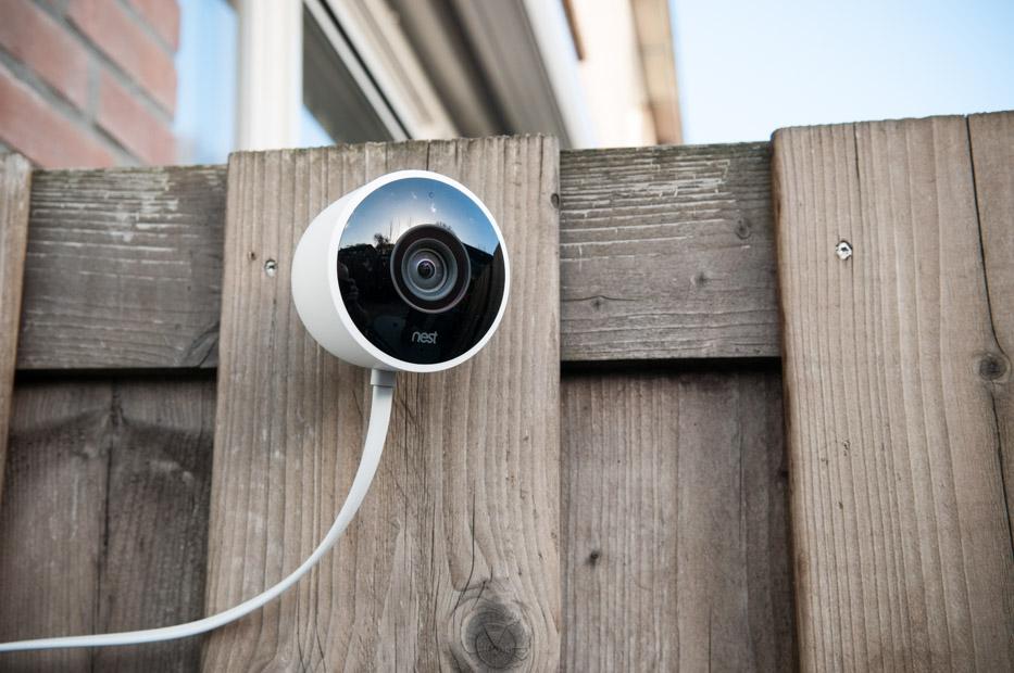 nest cam outdoor beveiligingscamera in de praktijk tech365. Black Bedroom Furniture Sets. Home Design Ideas