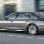 Audi A8 op de weg