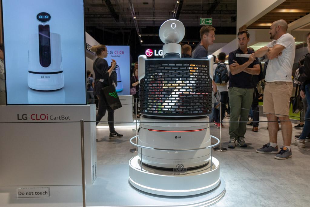 LG CLOi robot tech365nl 001