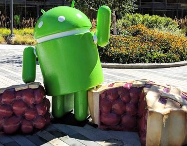 android pie google standbeeld